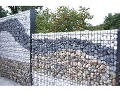 12 Gorgeous Gabion Ideas For Backyards - Container Water Gardens - Modern Design Gabion Stone, Gabion Retaining Wall, Gabion Fence Ideas, House Gate Design, Fence Design, Gabion Wall Design, Patio Pond, Backyard Landscaping, Modern Landscaping