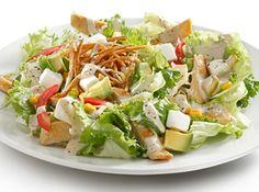 Salada Tex-Mex com frango - Veja mais em: http://www.cybercook.com.br/receita-de-salada-tex-mex-com-frango.html?codigo=13410