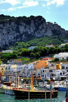 Isla di Capri, Italy - Explore the charming island by foot (it just goes up and up) or ride the funicular!