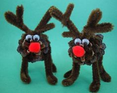 Pine Cone Reindeer! #kidscraft #christmas #pipecleaners #googlyeyes