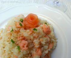 Il risotto al salmone è un primo piatto raffinato e gustoso, semplice da preparare e può essere utilizzato sia fresco che affumicato.