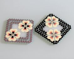 Handmade Coasters ADJUSTABLE coasters gray black X 2 by Leminussieu replace … Perler Bead Designs, Perler Bead Templates, Hama Beads Design, Hama Beads Patterns, Beading Patterns, Hama Beads Coasters, Diy Perler Beads, Perler Bead Art, Pearler Beads