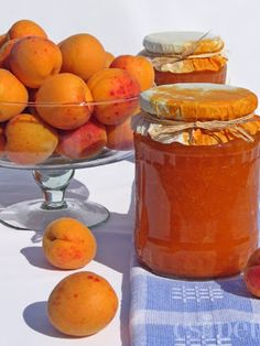 egycsipet: Sárgabaracklekvár Hungarian Desserts, Hungarian Cuisine, Hungarian Recipes, Recipe For Hungarian Goulash, Just Eat It, Classic Desserts, Jelly Recipes, Gourmet Gifts, Vegetable Drinks