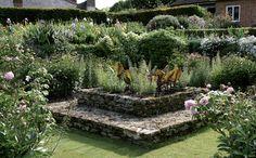 Puutarha cottage gardenin hengessä | Kukat ja taimet | Piha ja