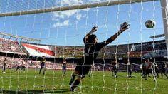 2009 - Gol de Gallardo (River 1 - Boca 1)