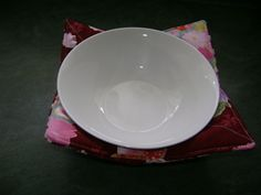 Fabric bowl for hot bowls of soup or porridge