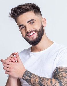 Just explore here and discover the Trendy & Fabulous Ideas of Mens Hairstyles with Lovely Beard Look. In the modern year of 2019 everyone want to upgrade the look to impress the other friends and… Fade Haircut With Beard, Short Fade Haircut, Mens Hairstyles With Beard, Beard Haircut, Quiff Hairstyles, Cool Hairstyles For Men, Best Short Haircuts, Haircuts For Men, Short Hair Cuts