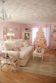 Holiday Living room vertical by Treasured Heirlooms, via Flickr