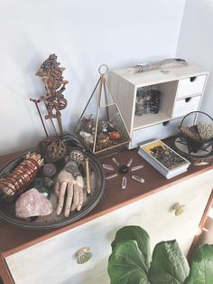 Garden Terrarium How to Make Witch Craft, Wicca Altar, Pagan Witchcraft, Wicca Crystals, The Lovers Tarot Card, Crystal Aesthetic, Nature Witch, Witch Room, Crystal Garden