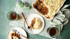 Traditional Irish Shepherd's Pie Irish Recipes, Pie Recipes, Casserole Recipes, Cooking Recipes, Dinner Recipes, Beef Casserole, Dinner Ideas, Irish Shepherd's Pie, Sauteed Carrots