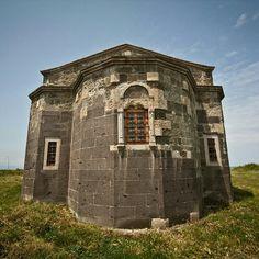 Yason kilisesi/Perşembe/Ordu/// Kilise bir XIX. yüzyıl eseri ama adını M.Ö. VIII. yüzyılda Karadeniz kıyılarında geçen mitolojik bir hikayeden alıyor.