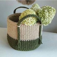 Crochet Bowl, Crochet Basket Pattern, Knit Basket, Knit Crochet, Crochet Patterns, Knitting Blogs, Knitting Projects, Crochet Projects, Linen Baskets
