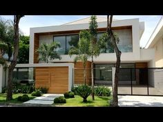 Modern House Facades, Modern House Design, Villa, Suites, Facade House, Design Case, House In The Woods, Luxury Living, Home Projects