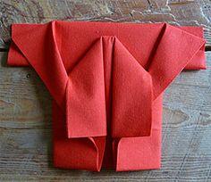 Pliage en papier réaliser un kimono en papier,pliage de serviette de table en forme kimono,plier une serviette en kimono, decoration de table, recettes de cuisine et traditions en Europe. Information et Tourisme Européen.