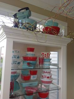 Pyrex; Butterprint, red & turquoise 2015