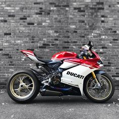 ryan gregory on | ducati, motorbikes and cars