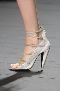*.* Iceberg shoes