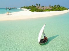 The beautiful beaches and resorts in the Maldives Bungalows, Most Beautiful Beaches, Beautiful Places, Amazing Places, Beautiful Scenery, Amazing Things, Beautiful Landscapes, Beautiful Homes, Costa
