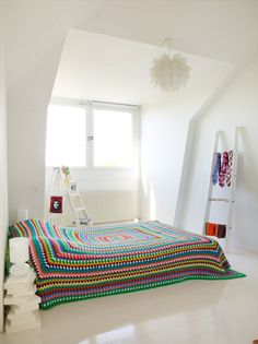Granny Square bed spread  Sanna & Sania: Vita vinden