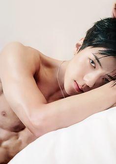 Sehun, Kpop Exo, Spirit Fanfic, Asian Male Model, Abs Boys, Hot Korean Guys, Exo Lockscreen, Hunhan, Bts Aesthetic Pictures