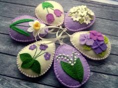 Felt Easter decor, Violet flowers, Lilac Easter Eggs, Purple Easter ornaments, L. Felt Crafts, Easter Crafts, Easter Decor, Diy Ostern, Felt Decorations, Felt Flowers, Spring Flowers, Handmade Felt, Felt Ornaments