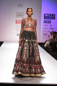 #wifw #fdci #wifwaw14 #wilfw #Piapauro #fashion #clothes #indian #indianwear #lehenga #print #design #fashiondesign #runway #show #fashionshow #sheer #blouse #beautiful