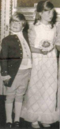 1971 - Diana 10 ans et Charles 07 ans _ & _ West Heath Princess Diana Family, Royal Princess, Prince And Princess, Princess Charlotte, Princess Of Wales, Spencer Family, Lady Diana Spencer, Princesa Diana, Charles And Diana