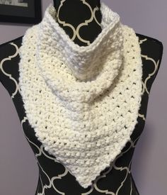 A modified version of 'Bandito Cowl' by Kris Krafter and I can't recall the yarn. I think it was Universal with gold tincel