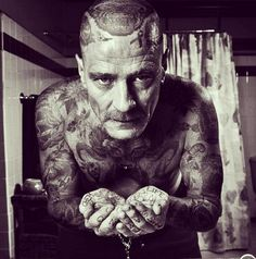 What celebrities would look like if they were covered in tattoos... Ah, this is so awesome!