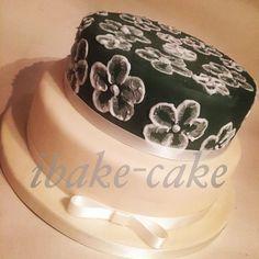 Brushed Embroidery elegant wedding cake