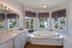7 Via Pasa San Clemente, CA 92673 by the Canaday Group. For a private tour, call Lee Ann Canaday 949-249-2424 #bathroom  #luxury #windows #tub