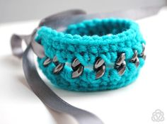 Crocheted Teal Bracelet on Grey Chunky Chain with by elfinadesign Crochet Chain, Crochet Bracelet, Turquoise Cuff, Turquoise Bracelet, Fiber, Handmade Jewelry, Teal, Jewels, Decorating