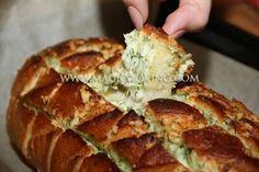 Bread garlic cheese. Чесночно-сырный хлеб