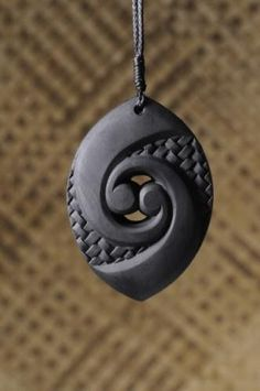 Fun Easy Crafts For Adults - - Fun Easy Crafts For Adults Crafts DIY creative things to make and sell Ceramic Jewelry, Wooden Jewelry, Polymer Clay Jewelry, Stone Jewelry, Stone Crafts, Rock Crafts, Dremel Carving, Fun Easy Crafts, Carving Designs