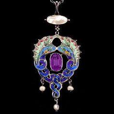 Art Nouveau pendant, Scottish, ca.1900.