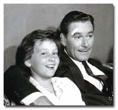 Flynn with daughter Deirdre (mother Nora Eddington) Captain Blood, Errol Flynn, Australian Actors, Guys And Dolls, First Daughter, Celebs, Celebrities, Classic Movies, Old Hollywood