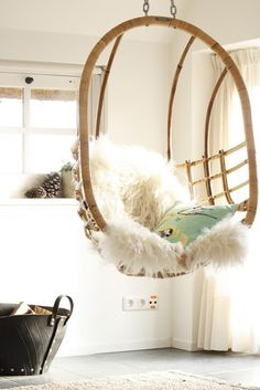hanging chair w/ fuzzy blanket @Influenster @Farleyco Canada @Montagne Jeunesse