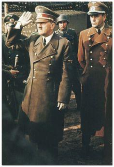 Hitler and Speer (via reinhardhimmler) Wilhelm Keitel, Germany Ww2, Military Looks, Total War, The Third Reich, Rare Photos, World History, World War Two, Wwii