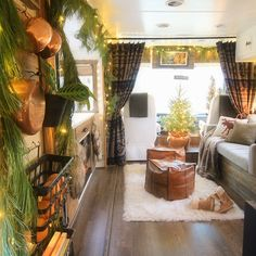 Renovated RV Christmas Tour - Come see how we decorated our tiny home on wheels for the holidays! MountainModernLife.com Cabin Christmas, Rustic Christmas, Bus Living, Mobile Living, Camper Makeover, Tiny House On Wheels, Christmas Inspiration, Campers, Bus Camper