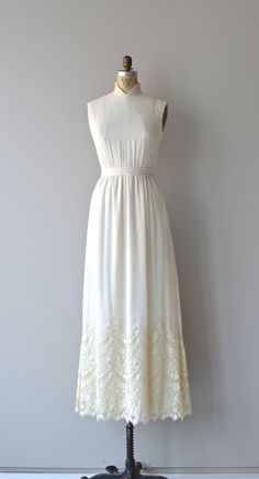 Mistledon wedding gown cream lace 70s wedding dress by DearGolden