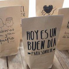 Pack surtido de 5 bolsas kraft Wonder. Diseño de Mr.Wonderful. A la venta en: http://www.mrwonderfulshop.es