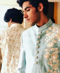 Indian Groom Wear, Indian Wedding Wear, Wedding Dress Men, Wedding Dress Patterns, Wedding Suits, Punjabi Wedding, Indian Weddings, Wedding Couples, Real Weddings