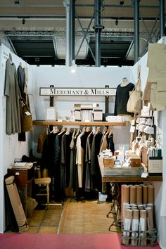 Pop up Shop | Pop up Store | Retail Design | Retail Display | merchant and mills- cute idea for a Pop up shop!