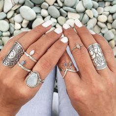 Boho Jewelry Punk Ethnic Antique Silver BOHO Ring - Bohemian Ring Set Available In Silver Our Bohemian Jewelry Go Perfectly With Any Outfit. ***At Very Affordable Prices*** Hippie Style, Hippie Chic, Boho Chic, Boho Style, Hippie Gypsy, Gypsy Style, Jewelry Box, Jewelry Accessories, Fashion Accessories