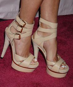 Heidi Montag's Feet << wikiFeet