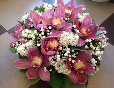 Ξεχωριστές ανθοσυνθέσεις για την Γιορτή της Μητέρας #lesfleuristes #λουλούδια #ανθοσύνθεση #ανθοπωλείο #γλυφάδα #ΓιορτήΜητέρας #MothersDay Flower Arrangements, Floral Wreath, Wreaths, Flowers, Home Decor, Floral Arrangements, Floral Crown, Decoration Home, Door Wreaths