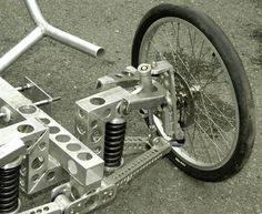 Pictures of homebuilt fully suspended aluminum trike of Julian Edgar from TrikesDigest Quotes from builder: OK. I've been for two decent rides on new trike. Problems are:- Dampers rattle. Electric Trike, Electric Cars, Go Karts, Soap Box Cars, Velo Design, Recumbent Bicycle, Reverse Trike, Pedal Cars, Motorcycle Bike
