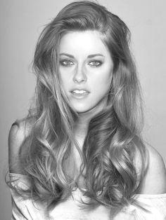 Not my favourite but I think she looks so pretty here .... kristen Stewart