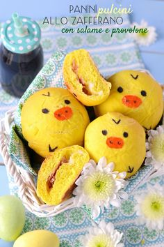 """E' """"pulcino-mania"""" su Sprinklesdress, avete notato?  Dopo i dolcissimi cupcakes di qualche giorno fa, oggi vi propongo dei panini s..."""