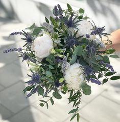 Fall Wedding Bouquets, White Wedding Flowers, Wedding Centerpieces, Floral Wedding, Wedding Colors, Wedding Decorations, May Weddings, Flower Centerpieces, Marie